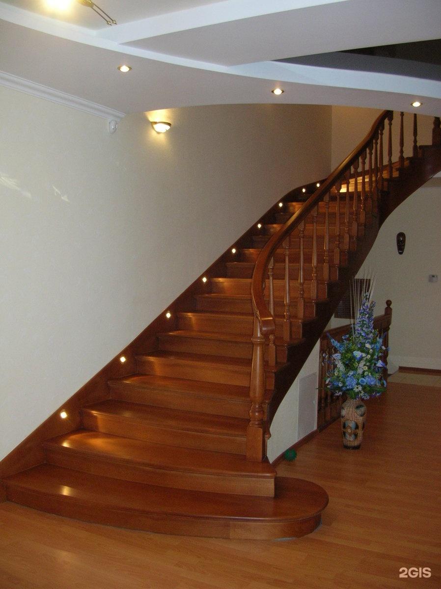 Как сделать освещение лестницы на второй этаж в частном доме