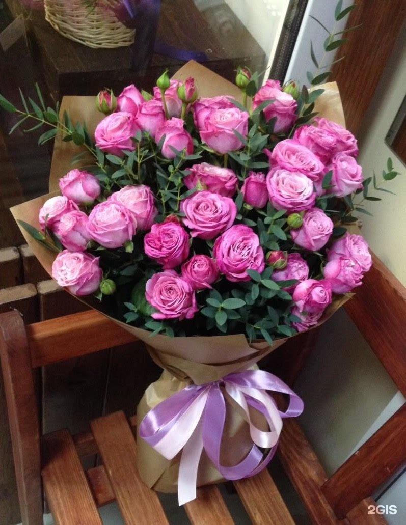 фото цветов на столе дома