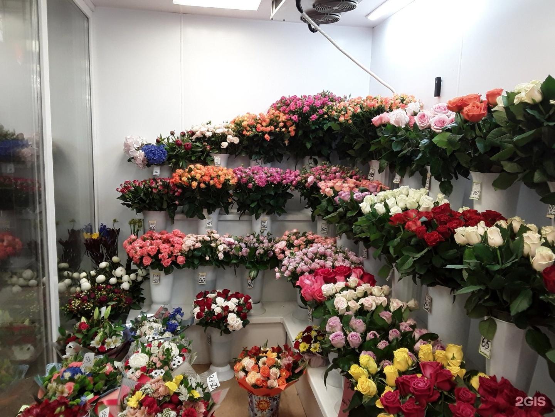 Ростова, цветы под аркой ярославль