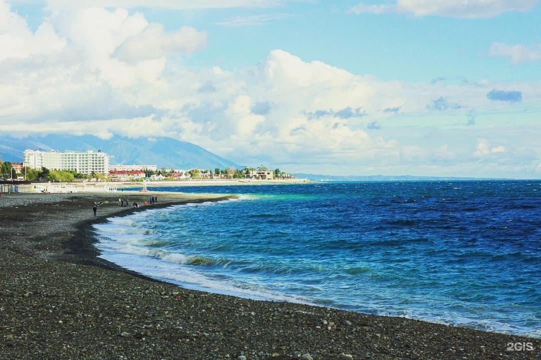 около фотографии пляжей адлера клад получивший известность
