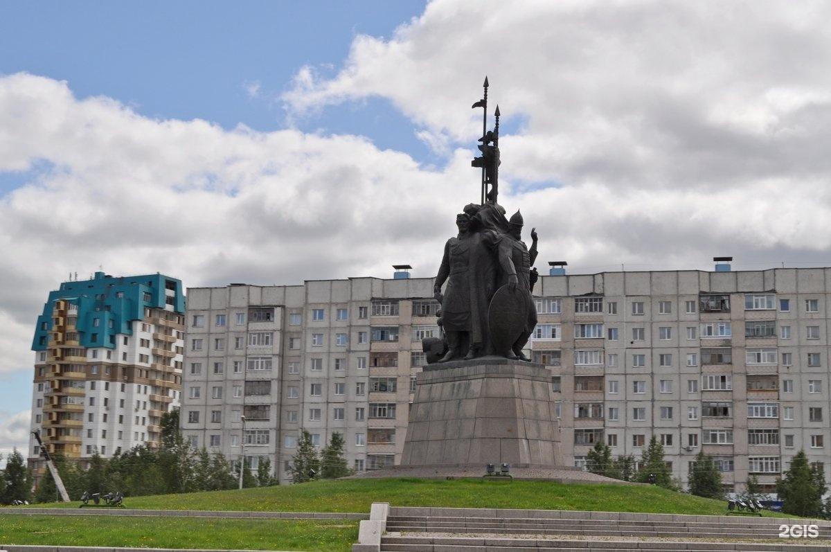 памятники сургута фото и описание без