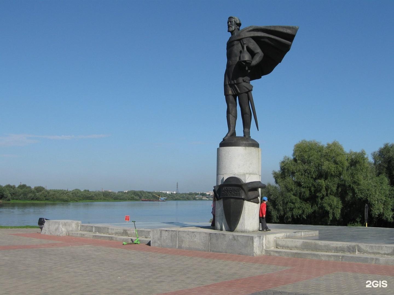 фото на памятник великий новгород упорства, веры