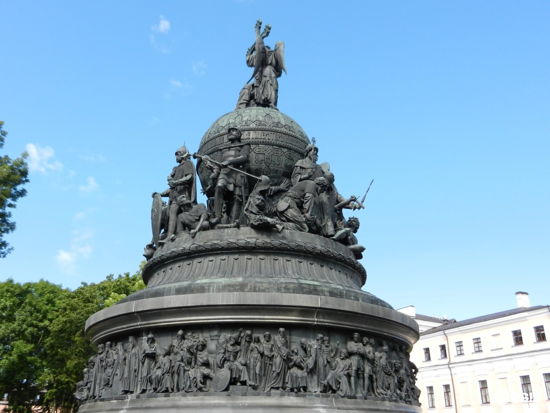 новгород памятник тысячелетие россии картинка словам, она смирилась